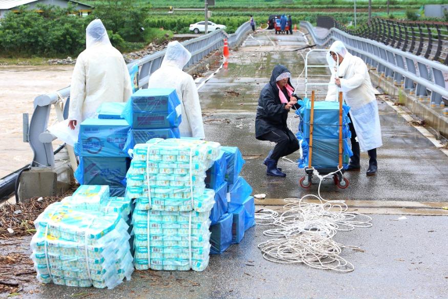 서화면 양지마을 생수 및 생필품 지원-피해가구 지원 총력 (4).JPG