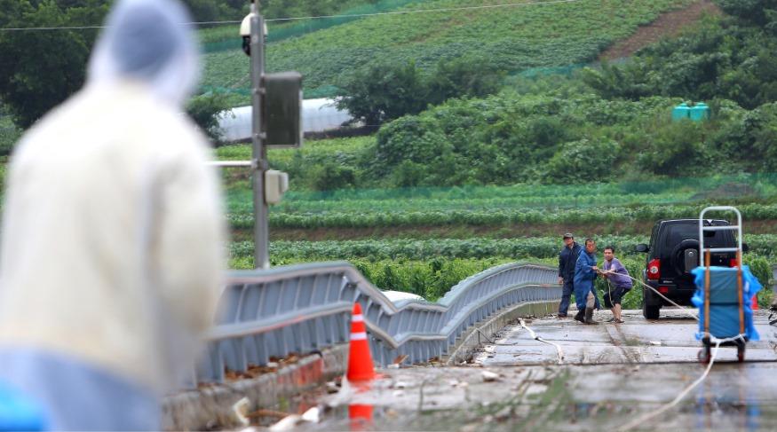 서화면 양지마을 생수 및 생필품 지원-피해가구 지원 총력 (6).JPG